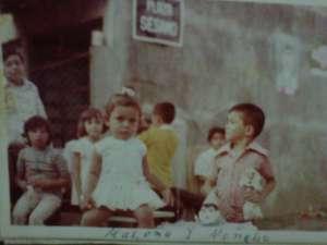 Carlos Alberto, Arturo, Conchita, Malena y Simon, (de espaldas Migo)